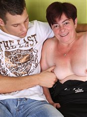 Grandma Simone show off her curves and wraps her mouth around a meaty wang to work it stiff